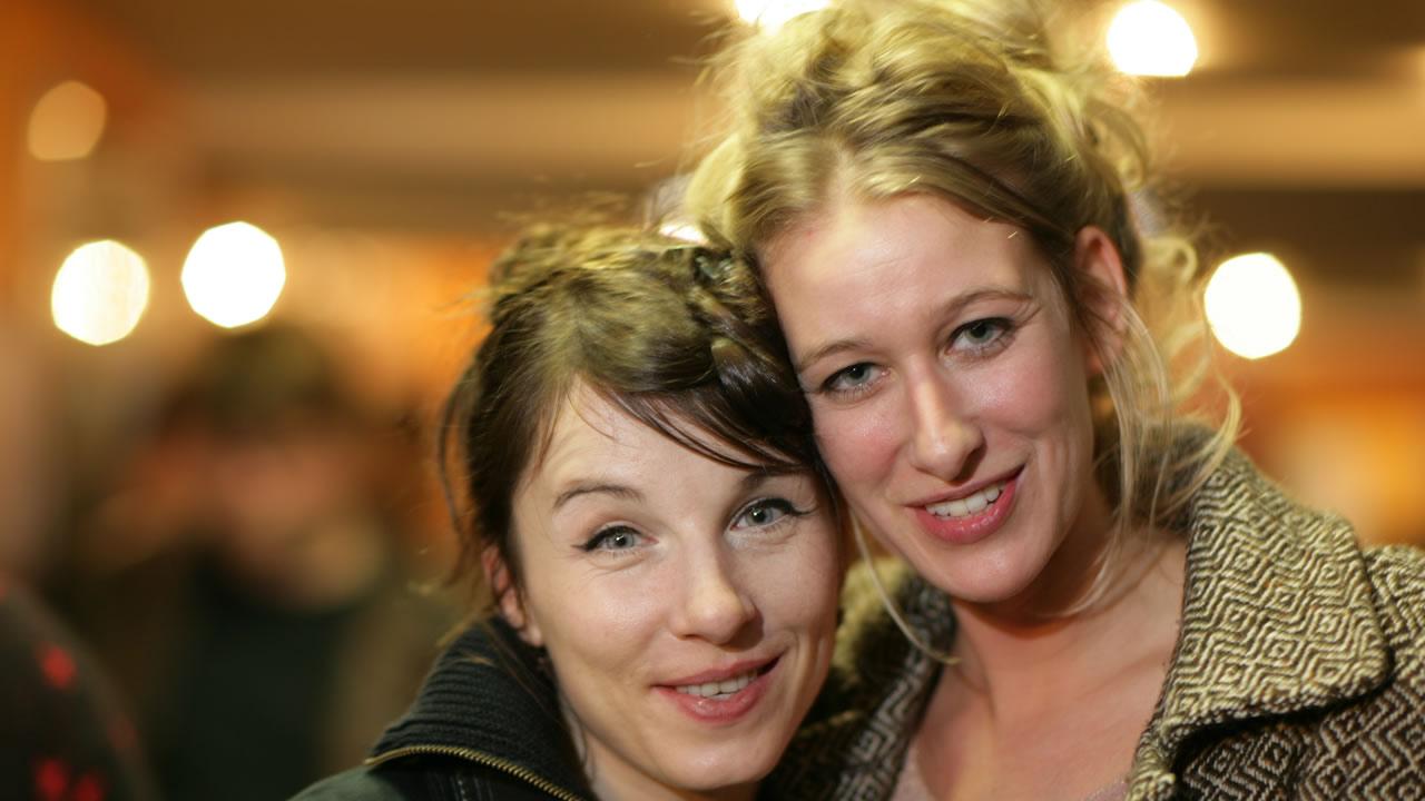 2005 - Neele Leana Vollmar presents URLAUB VOM LEBEN (Holidays from Life) with Meret Becker.