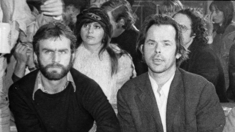 1974 - Bruno S. (rechts), der Kaspar-Hauser-Darsteller in JEDER FÜR SICH UND GOTT GEGEN ALLE.