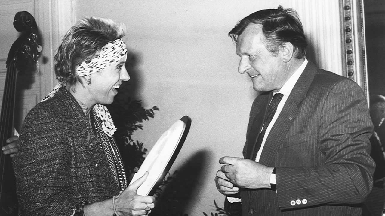 1986 – The first AWARD OF THE CITY OF HOF: Doris Dörrie and then mayor Dr Hans Heun