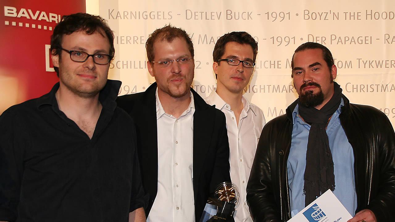 2009 - Den Förderpreis Deutscher Film erhält das Team von WAFFENSTILLSTAND mit Regisseur Lancelot von Naso.
