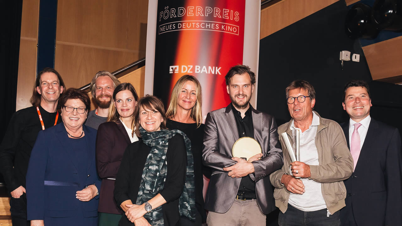 Award winners 2017: Jan Zabeil receives the German Cinema New Talent Award for THREE PEAKS; the Award of the City of Hof goes to Wolfgang Ettlich (2nd from right).