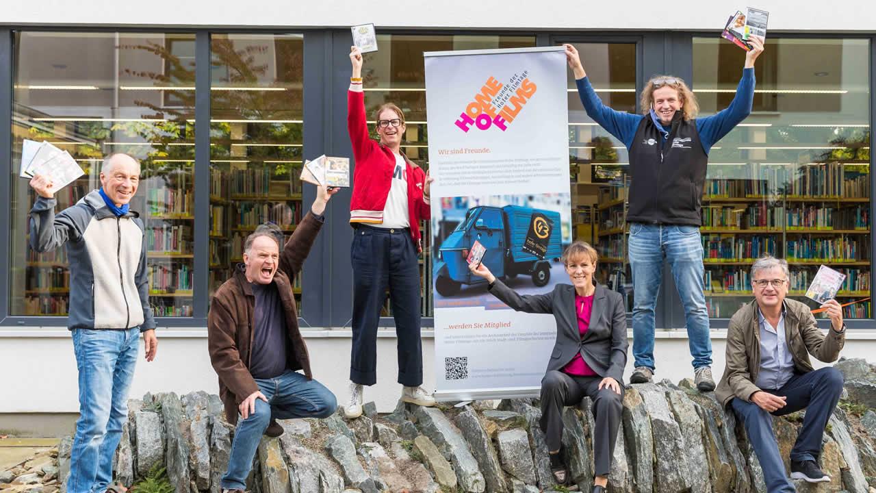 Freude über die Kooperation zwischen Stadtbücherei und Filmtage-Förderverein